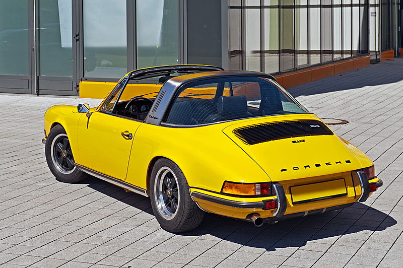 (c) fsp - felix steck Photographer; Porsche 911 T2.4 Targa, Classic Collection M. Diamand